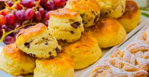 scones with muffin